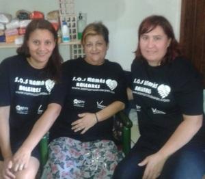 SOS Mamás Baleares con las camisetas donadas por G2TPV y Vemployed